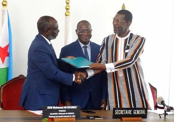 Passation de charges à l'Union Parlementaire Africaine (UPA)